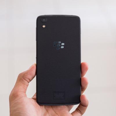 Trên tay BlackBerry DTEK50 - mỏng nhẹ, bảo mật cực tốt.