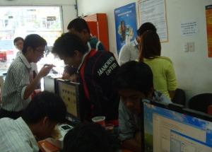 Lễ bốc thăm giải thưởng Tivi LCD SONY BRAVIA tại Hnam Mobile, khuyến mãi 2/9/2011