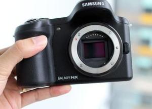 Máy ảnh Android có thể gắn sim điện thoại của Samsung tại VN