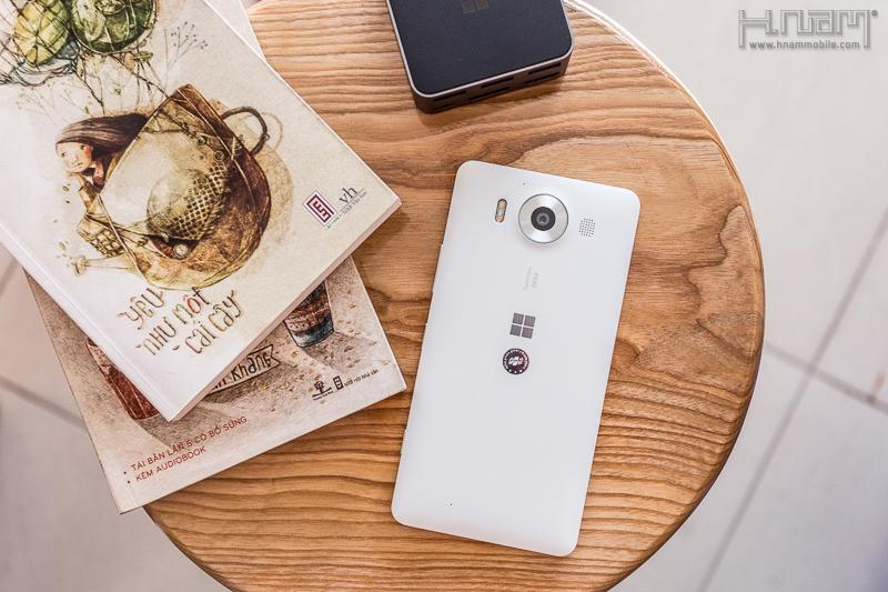 Mở hộp Lumia 950 chính hãng của Microsoft - nhiều công nghệ tiên tiến & độc đáo.