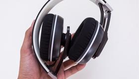 Mở hộp tai nghe Sennheiser Urbanite XL (hỗ trợ Android)