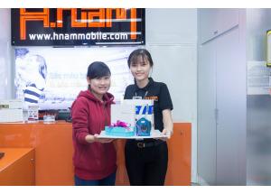 Nhận lộc đầu năm cùng Bộ sản phẩm công nghệ giá trị tại Hnam Mobile