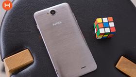 Trên tay điện thoại giá rẻ Intex Aqua Life 3 chỉ 2 triệu đồng.