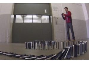 Trò lừa tạo hiệu ứng domino từ 10.000 iPhone 5 gây sốt