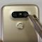 Xem màn tra tấn điện thoại LG G5 với dao nhọn, lửa và bẻ cong
